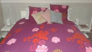 Premium bedding, memory-foam beds, free cots/infant beds