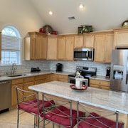 4BR - 3 Bath /9th & Central