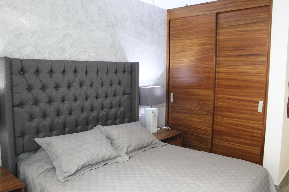 Room, NEW Apartment !, in the Center of Zapopan