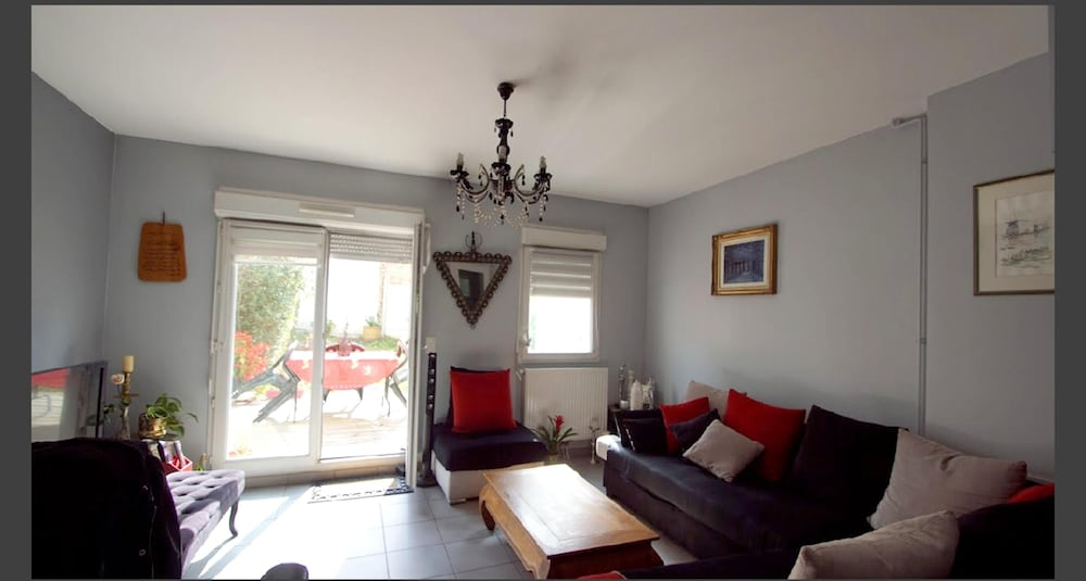 Living Room, House With 4 Bedrooms in La Madeleine, With Enclosed Garden and Wifi