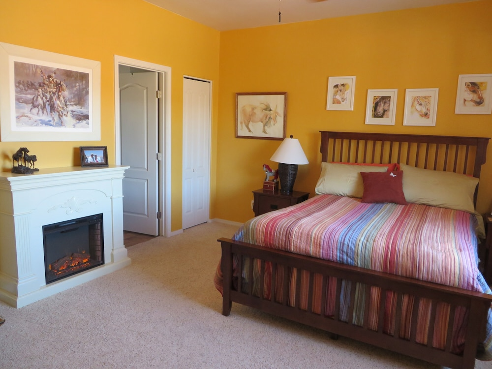 Room, Sedona Area - Pets Welcome! Available January 2021