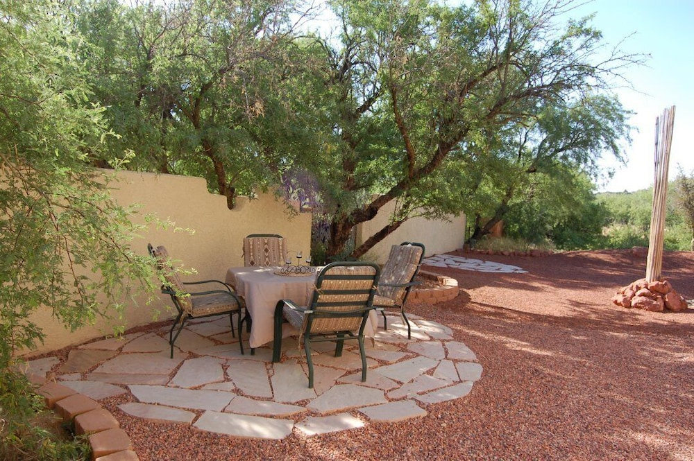 Balcony, Sedona Area - Pets Welcome! Available January 2021