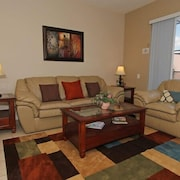 A's Perfectly Furnished 3 BR Pool Villa In Orlando