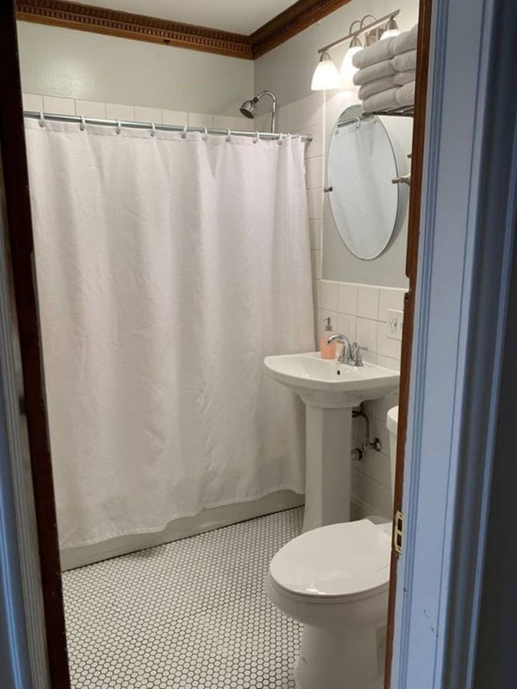 Bathroom, Large charming family space close to Minneapolis!