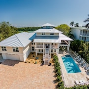 Dolphin Cove - Captiva Private Waterfront Estate 6 Bedroom Home