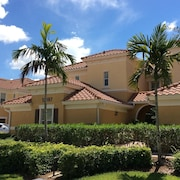 Luxury Home in Gated Community 3 Miles Away From the Ft Myers Airport