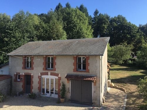 3 bed Holiday Home in the Heart of Rural France. Full of Rustic Charm. Sleeps 5