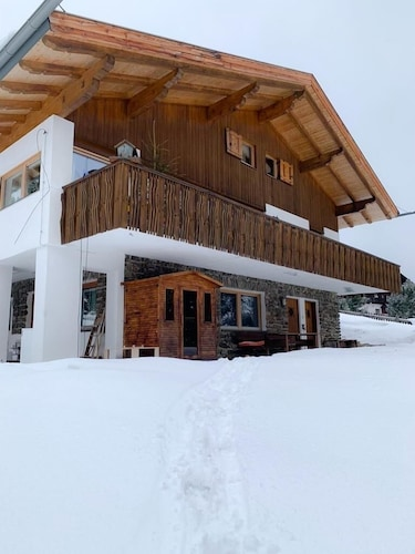 Run Away From Covid Virus - Run Away From Corona Virus at 2000 Mts. Private Chalet