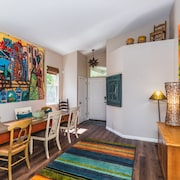On Folsoms Walden Pond- Best Location in Folsom - Artsy, & Comfortable,