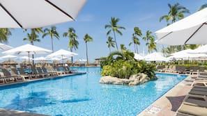 3 piscinas al aire libre