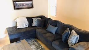 TV, fireplace