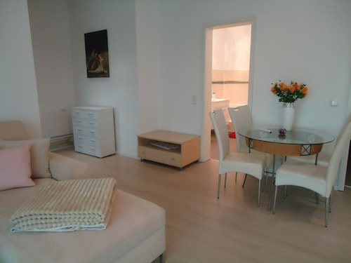 Quality Vacation Rental in Berlin-kaulsdorf