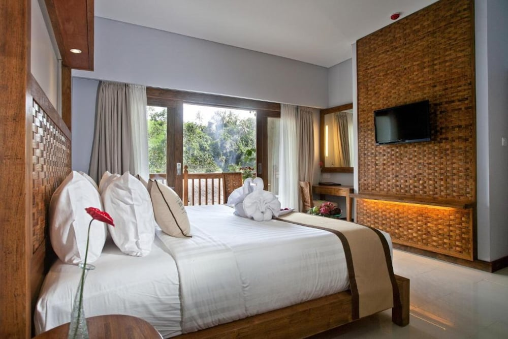 Room, Private Suite in Ubud, Sleeps 2 Pax, Surrounded by Lush Greenery