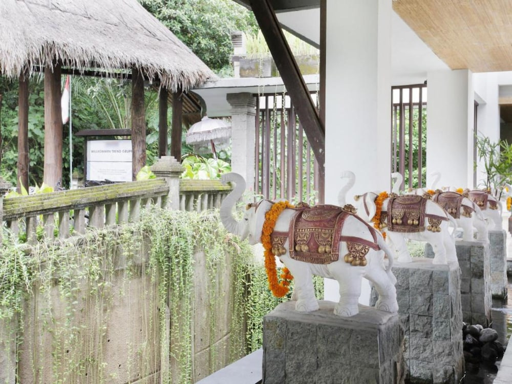 , Private Suite in Ubud, Sleeps 2 Pax, Surrounded by Lush Greenery