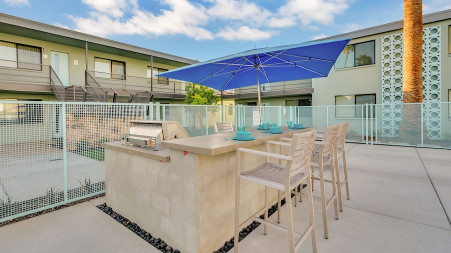 Primo Old Town Location with Heated Pool