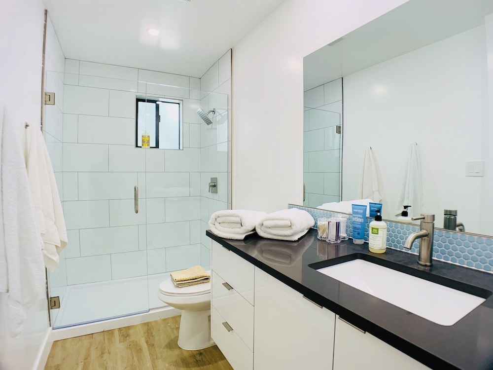 Bathroom, Primo Old Town Location with Heated Pool