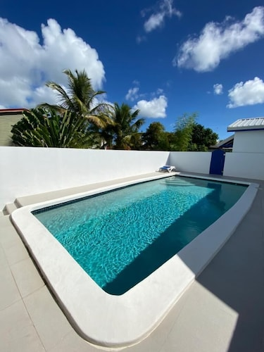 Private Villa With Pool Close to 2 Beaches
