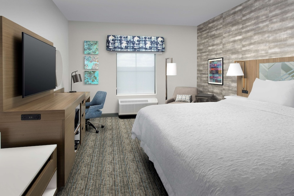 Room, Hampton Inn Boston Logan Airport Chelsea