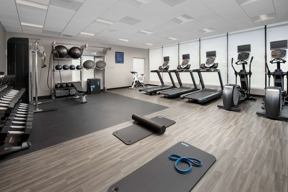 Fitness Facility, Hampton Inn Boston Logan Airport Chelsea