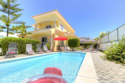 Villa - 6 Bedrooms with Pool and WiFi - 104371