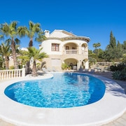 Villa - 3 Bedrooms with Pool - 106410
