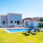 Villa - 2 Bedrooms with Pool and WiFi - 107948