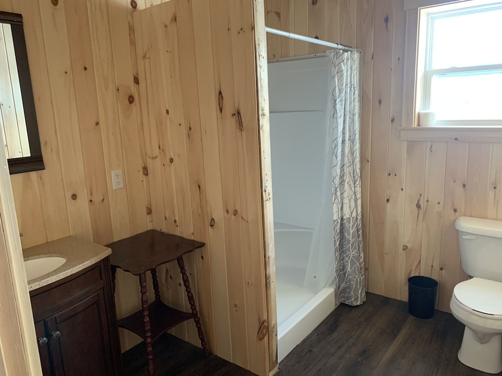 Bathroom, Country Style log Cabin Retreat With all of the Amenities