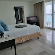 Enjoy Your Stay at the Krystal Cancun Hotel, Beach, Pool, Restaurants