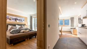 2 bedrooms, Internet, linens, wheelchair access