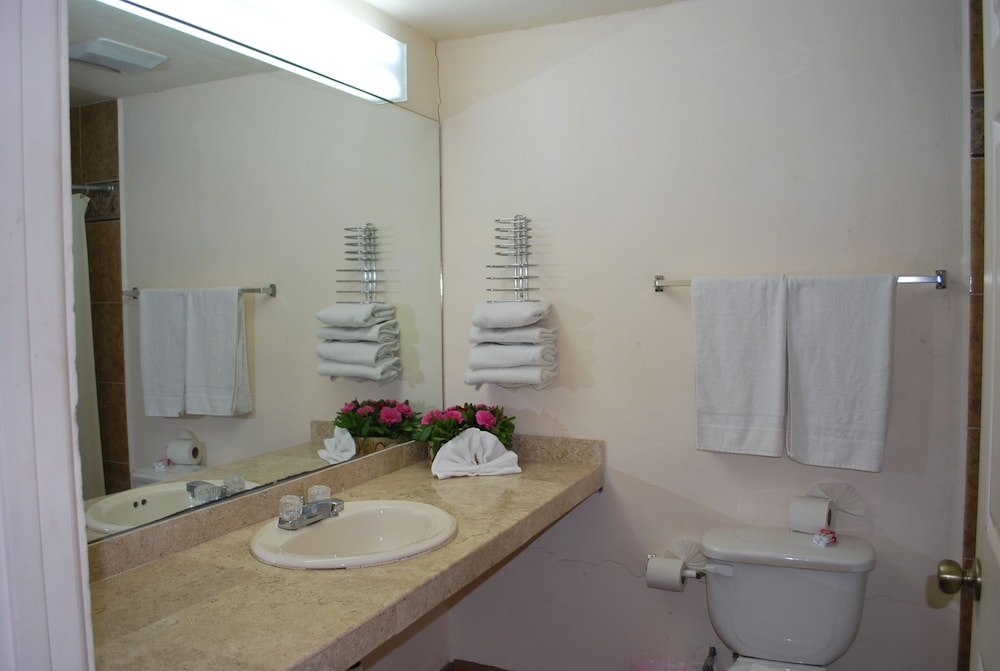Bathroom, Hotel Baja