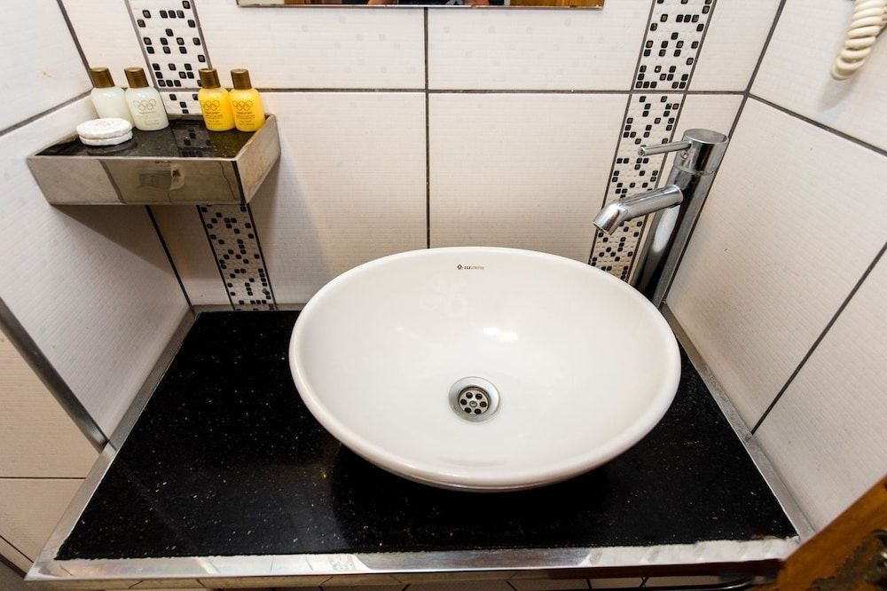 bathroom vanity and sinks olimpiyat otel izmir in izmir hotel rates amp reviews on 16964