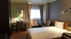 Down comforters, Select Comfort beds, in-room safe, desk