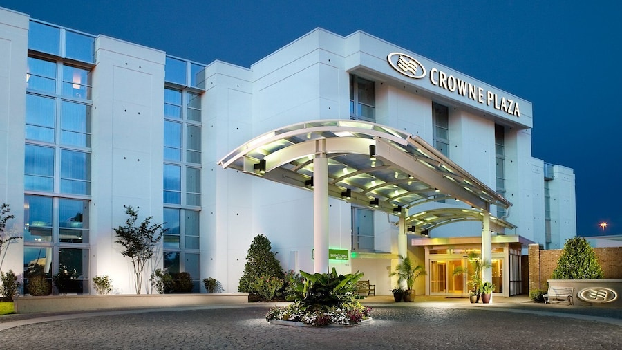 查尔斯顿机场皇冠假日酒店及会议中心
