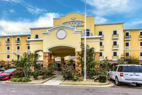 Evangeline Downs Hotel An Ascend Collection Member