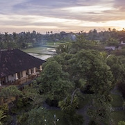 Sri Ratih Cottages