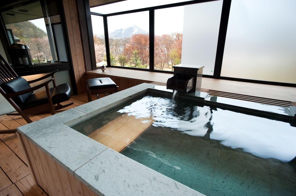 しこつ湖鶴雅リゾートスパ 水の謌 Expedia提供写真