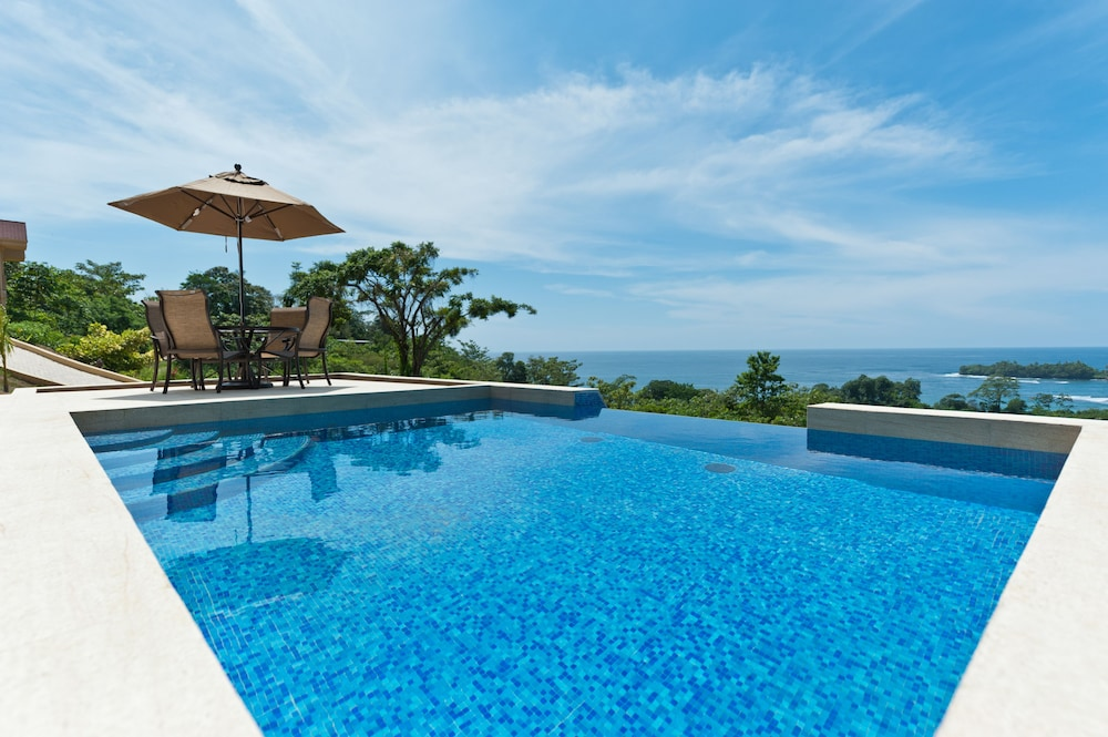 Red Frog Beach Island Resort Certified For Its: Red Frog Beach Island Resort: 2019 Room Prices , Deals