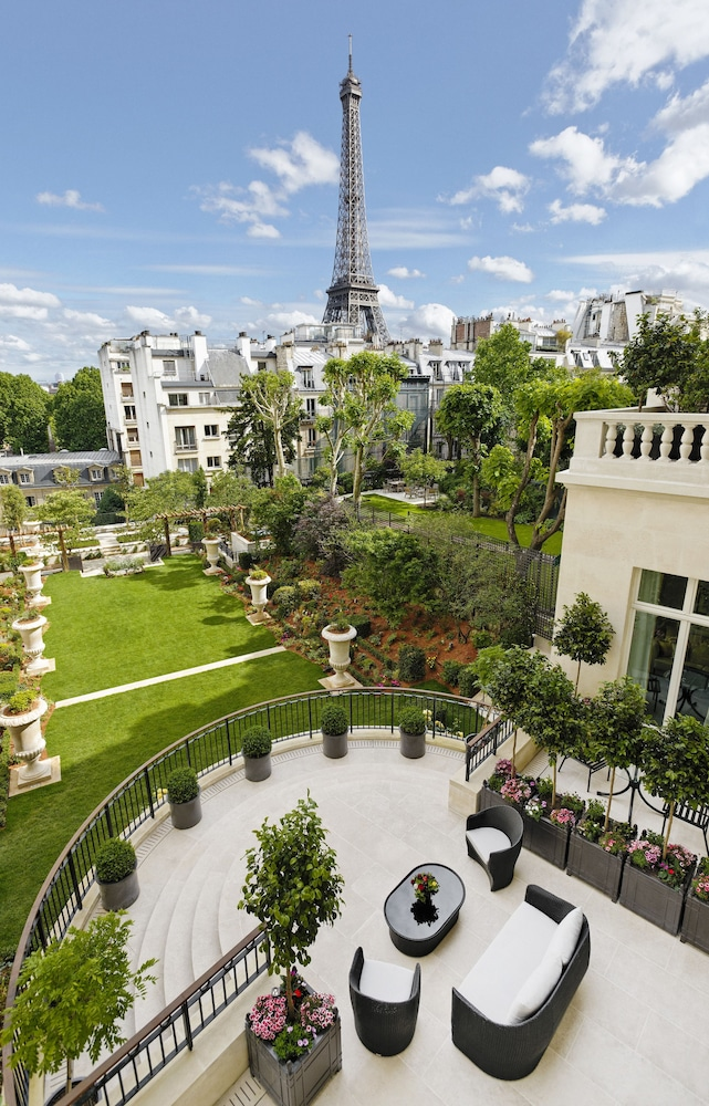 View from Property, Shangri-La Hotel Paris
