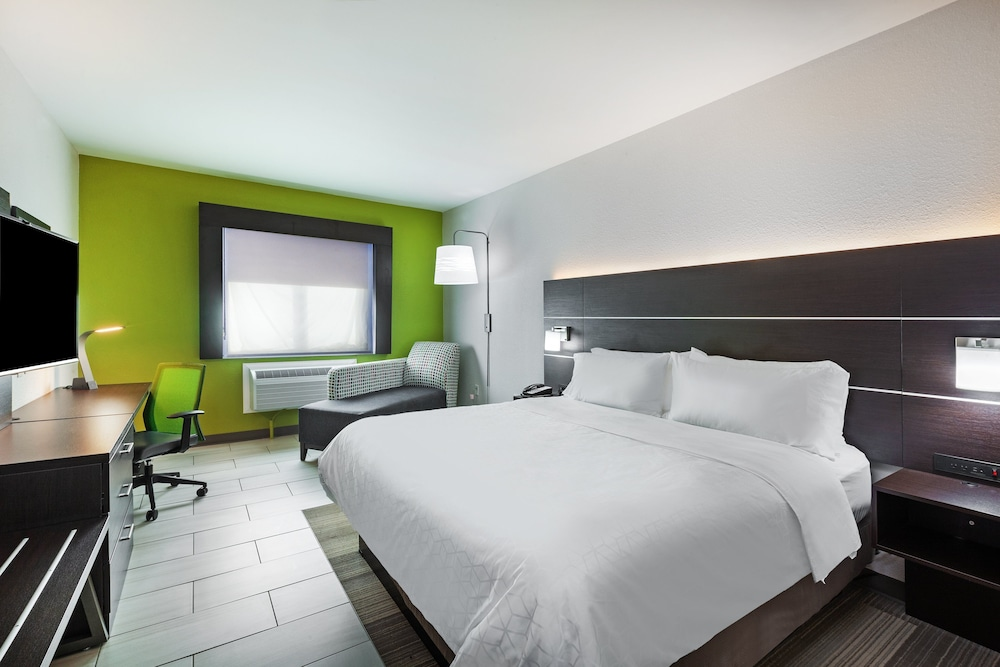 Room, Holiday Inn Express & Suites Port Lavaca