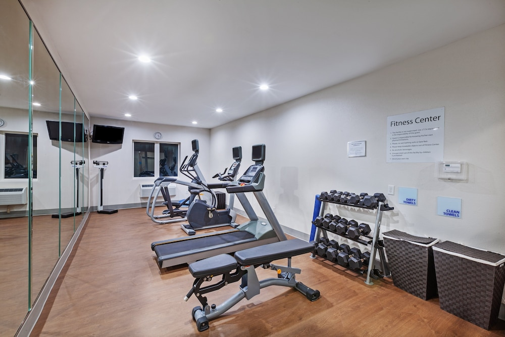 Fitness Facility, Holiday Inn Express & Suites Port Lavaca