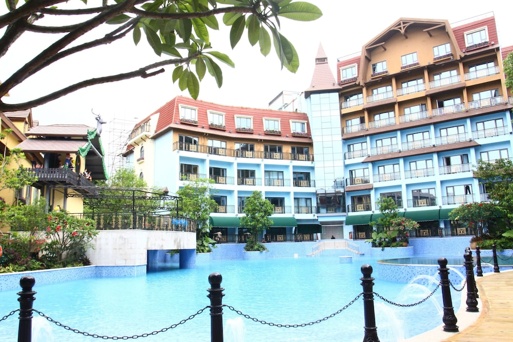 Outdoor Pool, Oasis O.City Hotel Shenzhen