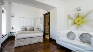 Egyptian cotton sheets, hypo-allergenic bedding, minibar, in-room safe