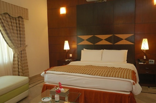 Hotel One Kohsar