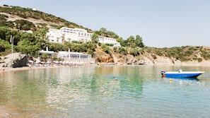 Beach nearby, beach umbrellas, beach towels, scuba diving