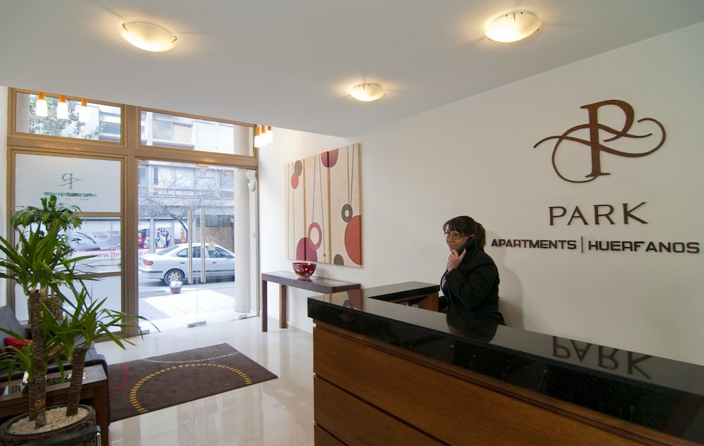 Interior Entrance, Park Plaza Apart Hotel