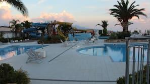 3 piscine all'aperto