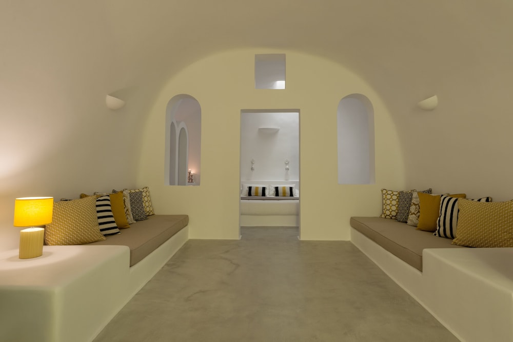 Living Area, Anemomilos Hotel & Apartments