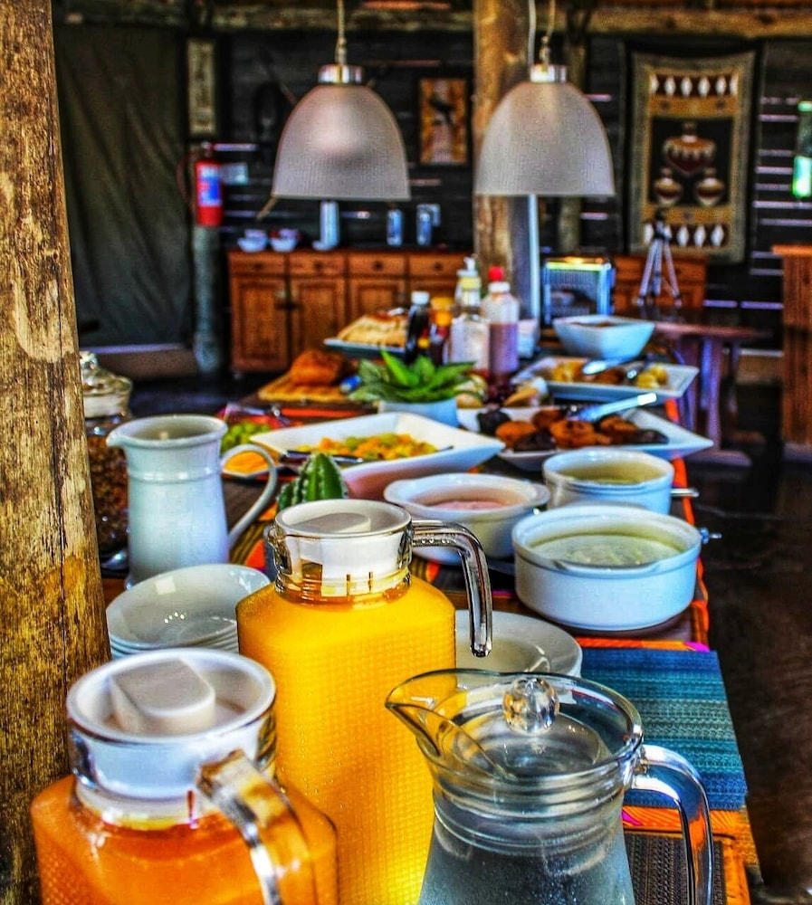Breakfast buffet, AmaZulu Lodge