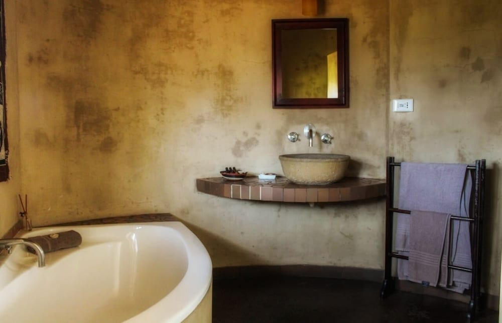 Bathroom Sink, AmaZulu Lodge