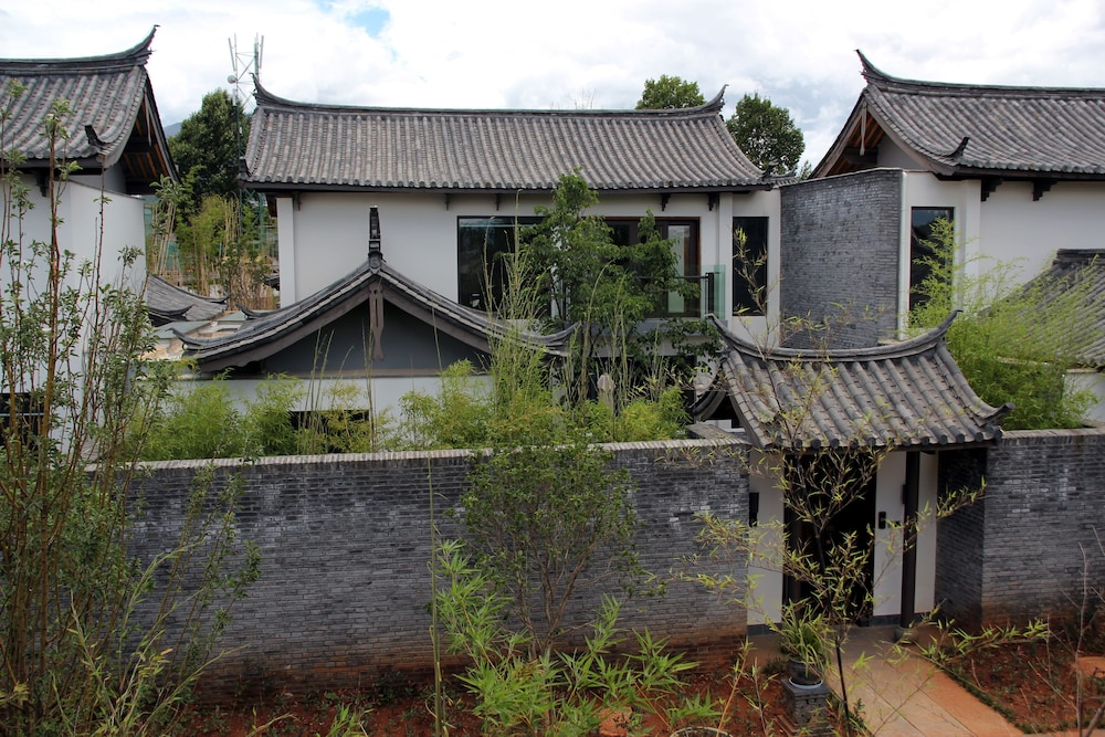 Property Grounds, Pullman Lijiang Resort and Spa